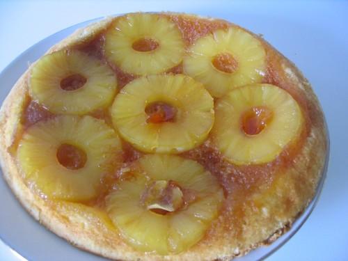 Torta rovesciata con ananas caramellate