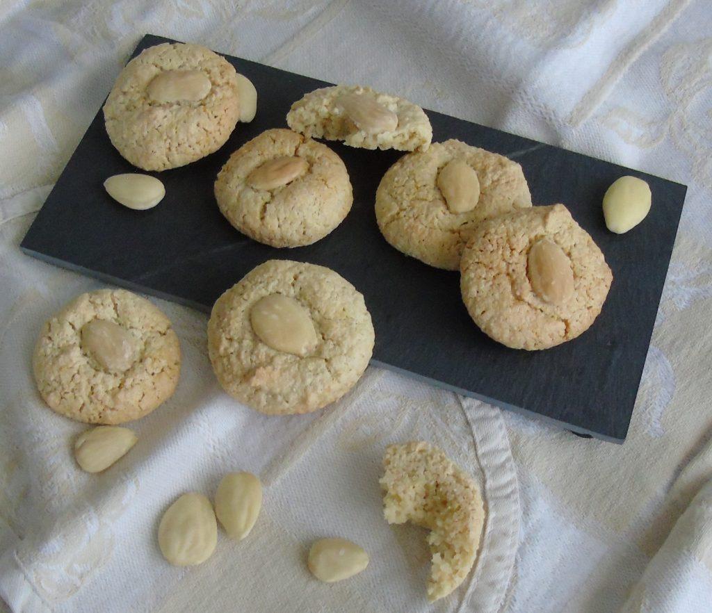 Biscotti morbidi alle mandorle
